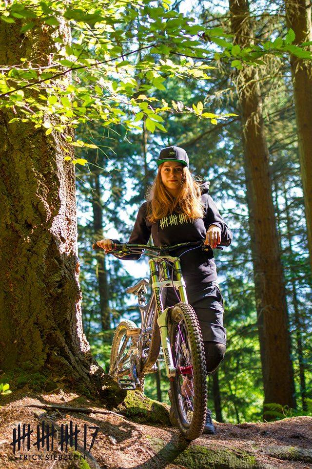 Girls That Ride Downhill Interview With Martina Strupp Downhill 24